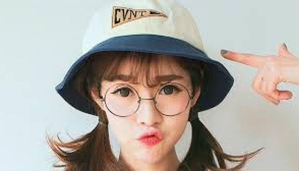 脸型对应的眼镜框,选对了就提升气质!