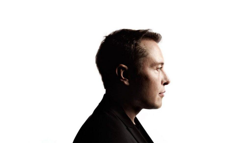Elon Musk是如何同時管理多個公司的?