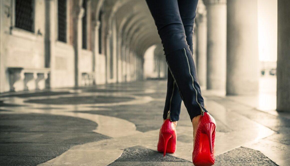 如何根据「脚型」选择适合自己的高跟鞋