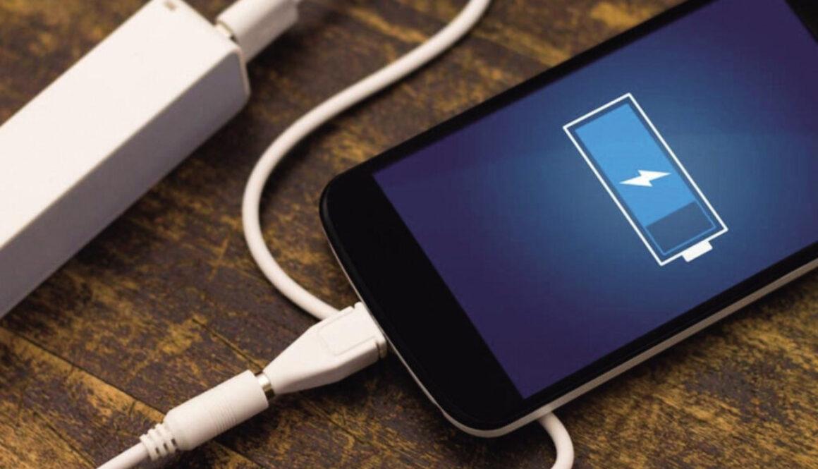 手机这样充电,比定时炸弹还危险,你每天都在做!